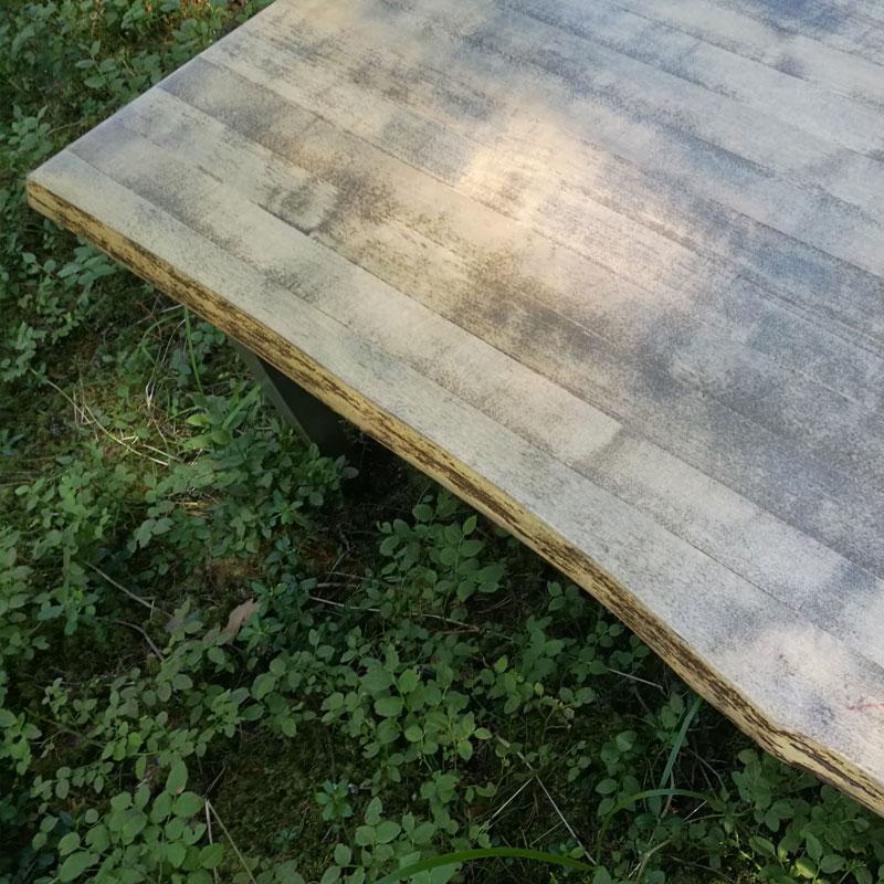 Sohvapöydän pintakäsittely